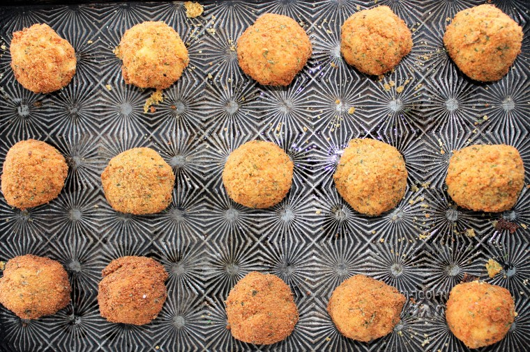 Macaroni & Cheese Balls {Gluten Free} - The Gluten Free Gathering