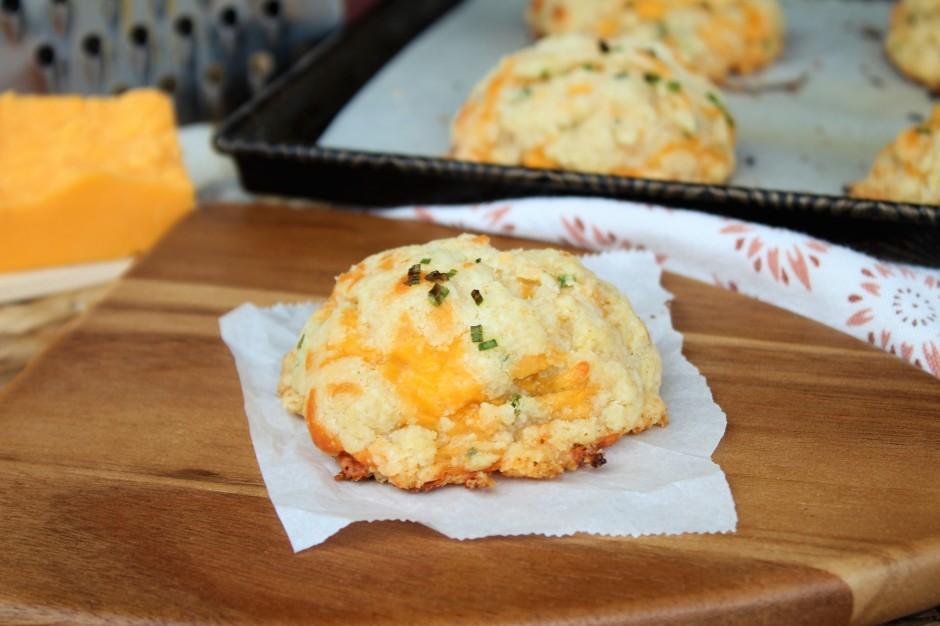 gluten free cheddar chive biscuits
